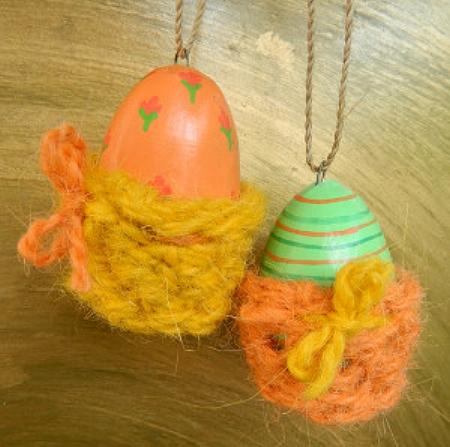 © die-maschen-zum-glueck.de Eierbecher aus Ziegenhaargarn