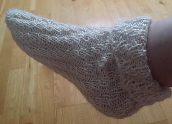 © Die Maschen zum Glück Wolle Fußpflegesocken mit Lanolin