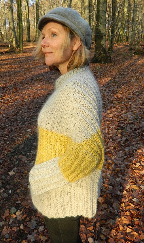 © Die Maschen zum Glück | Pullover oversized und handgestrickt Seitenansicht