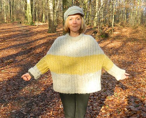 © Die Maschen zum Glück | Pullover oversized und handgestrickt abgeschrägte Schulter