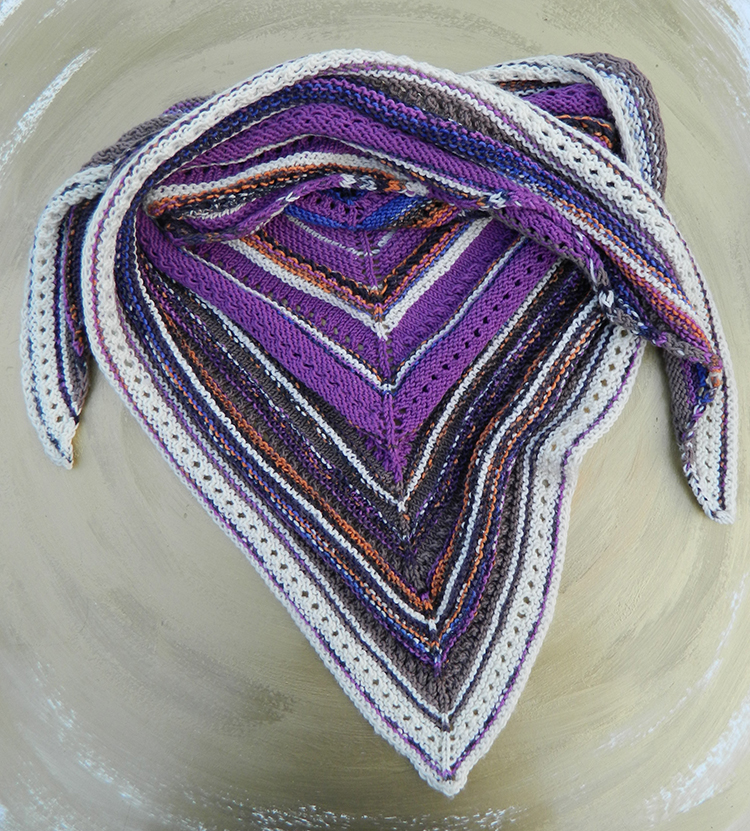 Magic Tundra | Buntes Wintertuch aus 100% Schurwolle. Life Style von Schoppen Wolle. Superwash. Anleitung gratis.